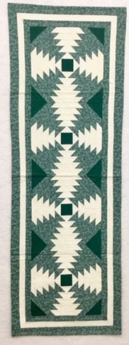 Pineapple Log Cabin Table Runner
