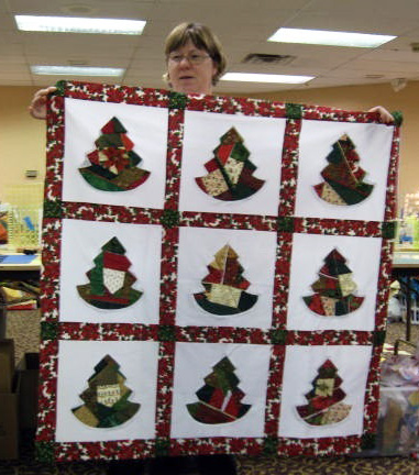 Quilted Christmas Tree Skirt Free Pattern | AllCrafts Free